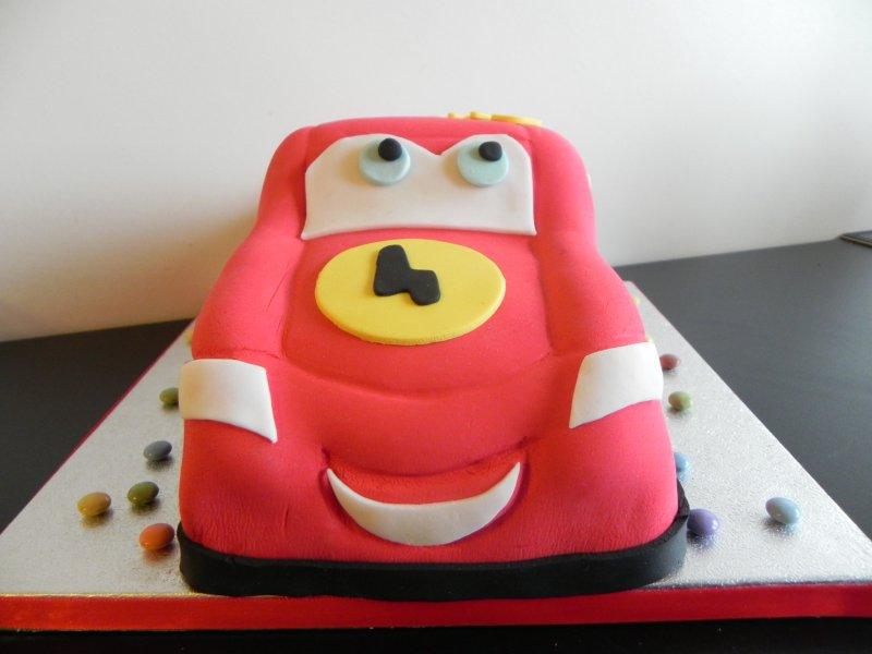 Cars Flash McQueen Cake