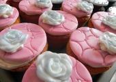 Gâteau Peggy la Cochonne et ses cupcakes