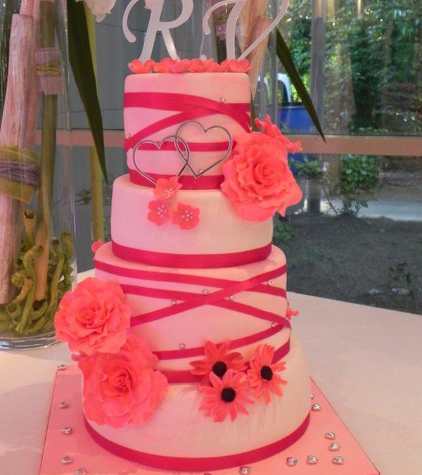 Wedding Cake Fuchsia